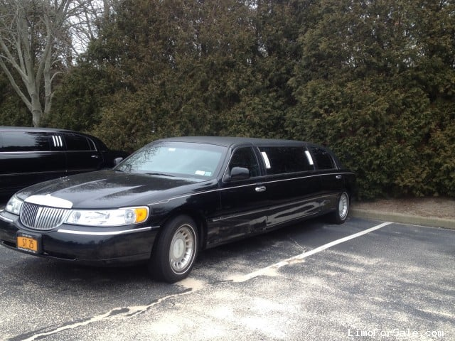 used 2001 lincoln town car l sedan stretch limo southampton new york 8 000 limo for sale. Black Bedroom Furniture Sets. Home Design Ideas