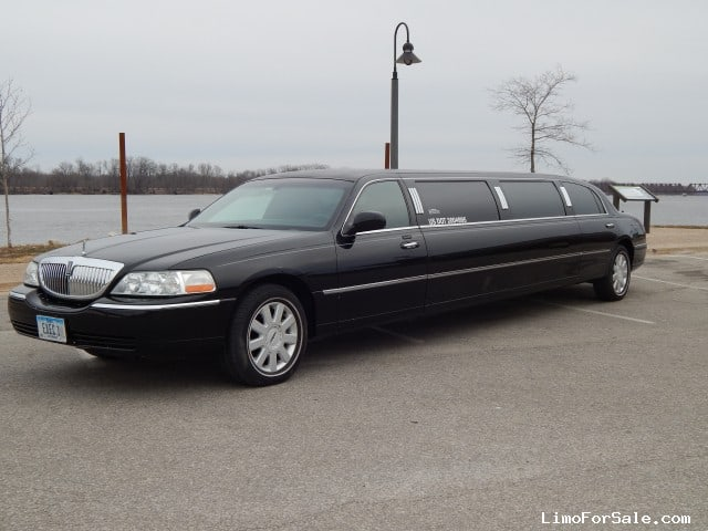 used 2005 lincoln town car l sedan stretch limo dabryan burlington iowa 19 500 limo for sale. Black Bedroom Furniture Sets. Home Design Ideas