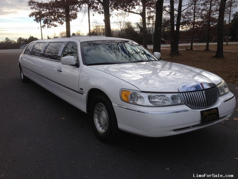 used 2001 lincoln town car sedan stretch limo executive. Black Bedroom Furniture Sets. Home Design Ideas