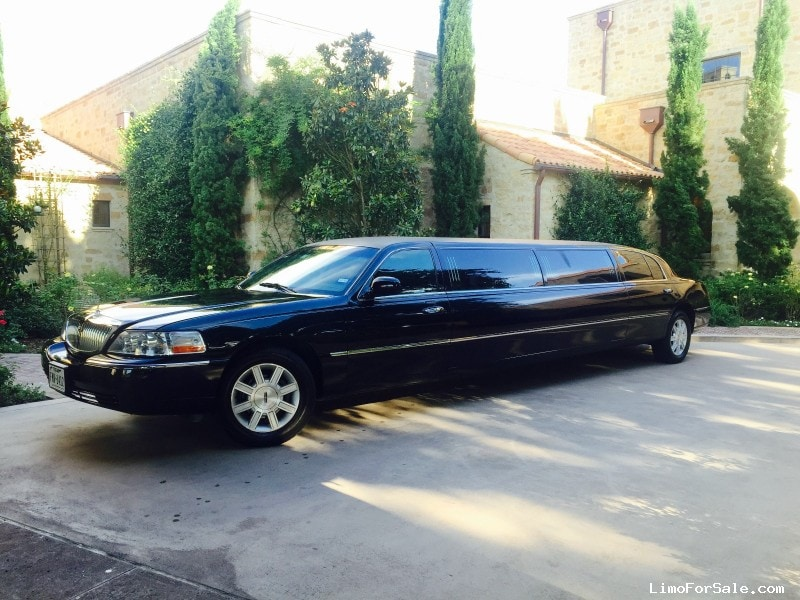 used 2011 lincoln town car sedan stretch limo executive coach builders cypress texas. Black Bedroom Furniture Sets. Home Design Ideas