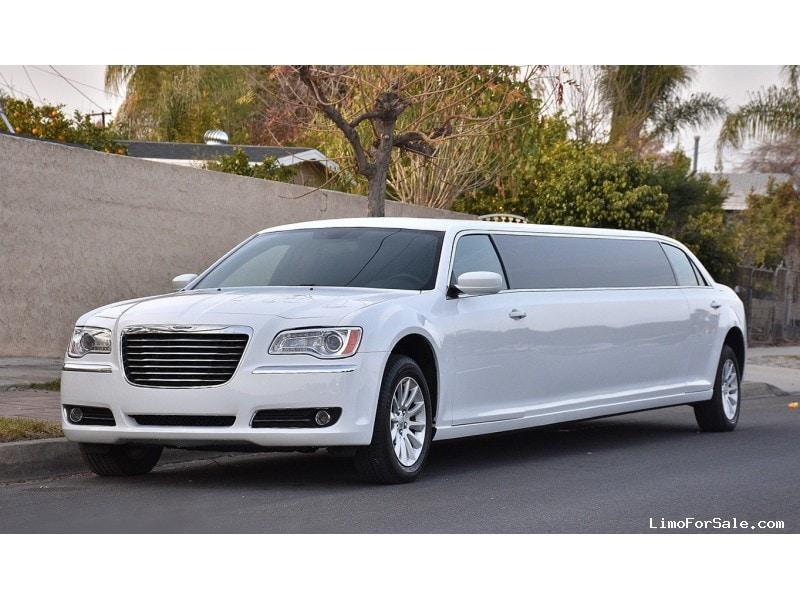 used 2014 chrysler 300 sedan stretch limo ontario 59 900 limo for sale. Black Bedroom Furniture Sets. Home Design Ideas