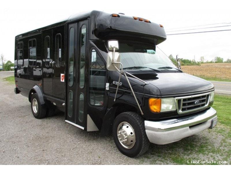 Used 2003 Ford E-350 Mini Bus Limo  - Bellefontaine, Ohio - $19,800