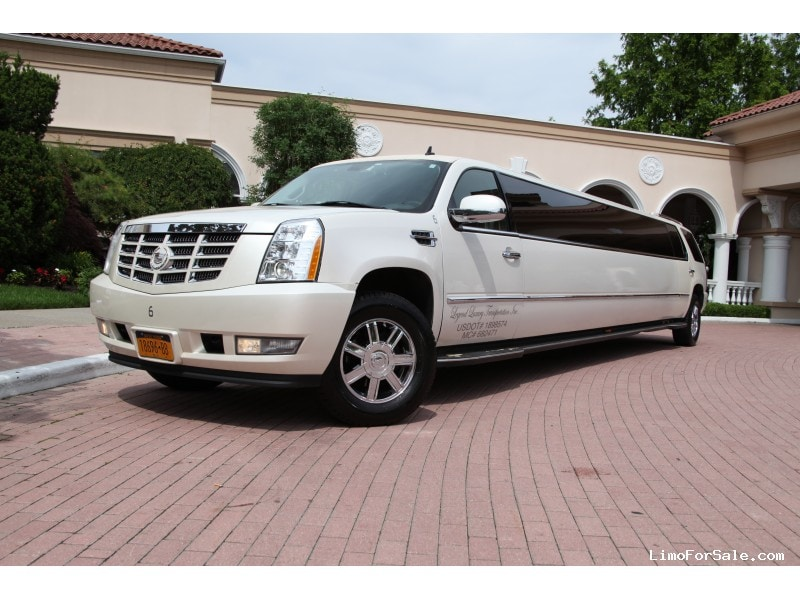 used 2008 cadillac escalade suv stretch limo limos by moonlight smithtown new york 30 750. Black Bedroom Furniture Sets. Home Design Ideas