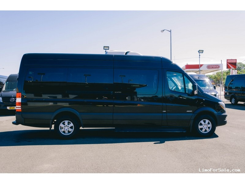 Used 2015 Mercedes-Benz Sprinter Van Shuttle / Tour  - East Elmhurst, New York    - $60,000