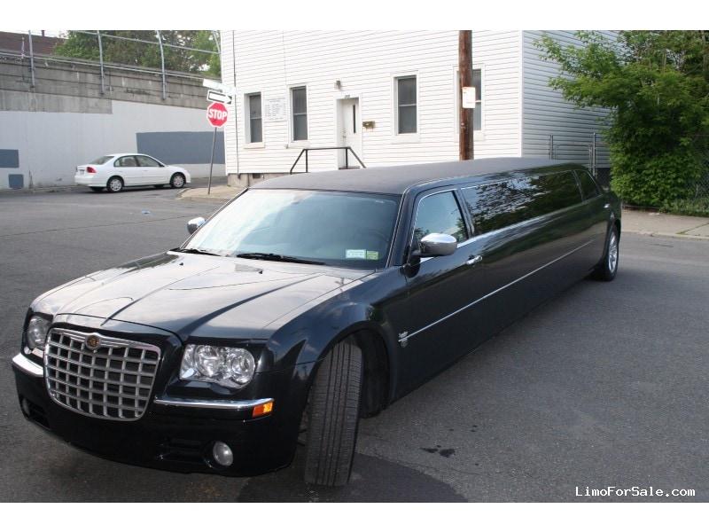 used 2005 chrysler 300 sedan stretch limo legendary. Black Bedroom Furniture Sets. Home Design Ideas