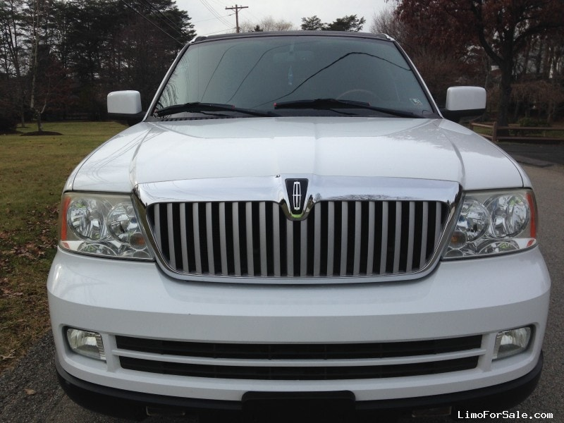 used 2006 lincoln navigator suv stretch limo rochester pennsylvania 24 900 limo for sale. Black Bedroom Furniture Sets. Home Design Ideas