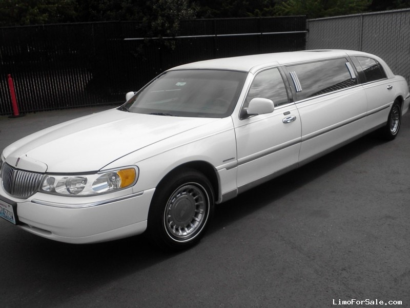Used 2001 Lincoln Town Car Sedan Stretch Limo Krystal Seattle