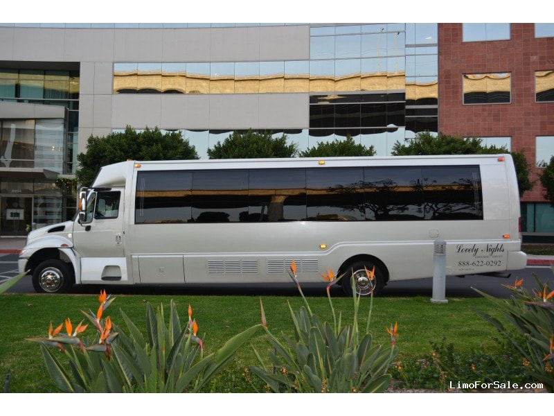 Used 2005 International 3200 Motorcoach Limo  - San Diego, California - $58,000