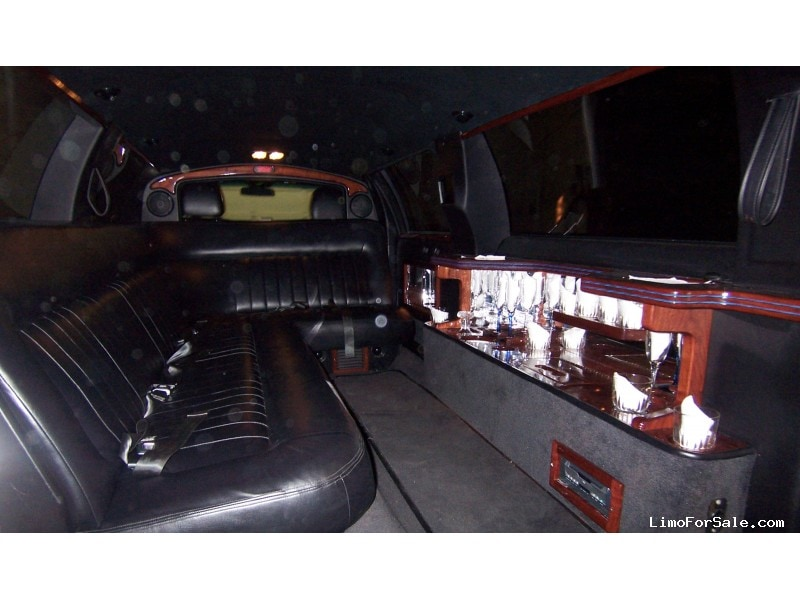 Used 2003 Lincoln Town Car Sedan Stretch Limo DaBryan - Harper Woods, Michigan - $8,800