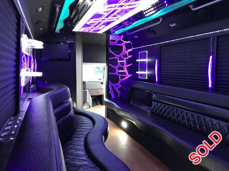 Used 2013 Ford E-450 Mini Bus Limo LGE Coachworks - North East, Pennsylvania - $53,900