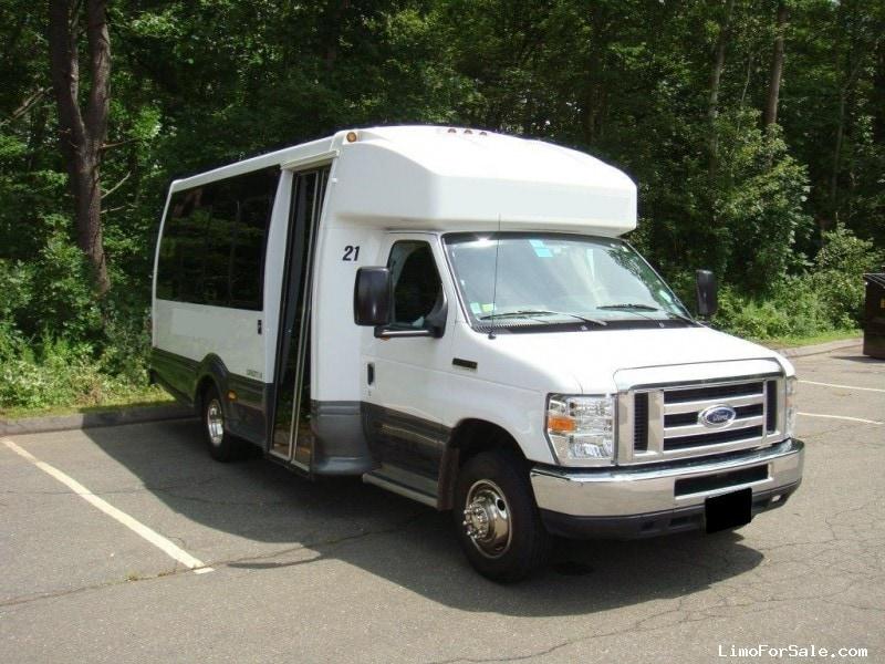 Used 2014 Ford E-450 Van Shuttle / Tour Turtle Top - Riverside, California - $49,900