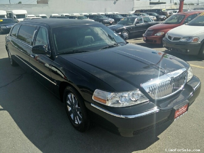 Used 2006 Lincoln Town Car Sedan Stretch Limo Coastal Coachworks - Las Vegas, Nevada - $5,950