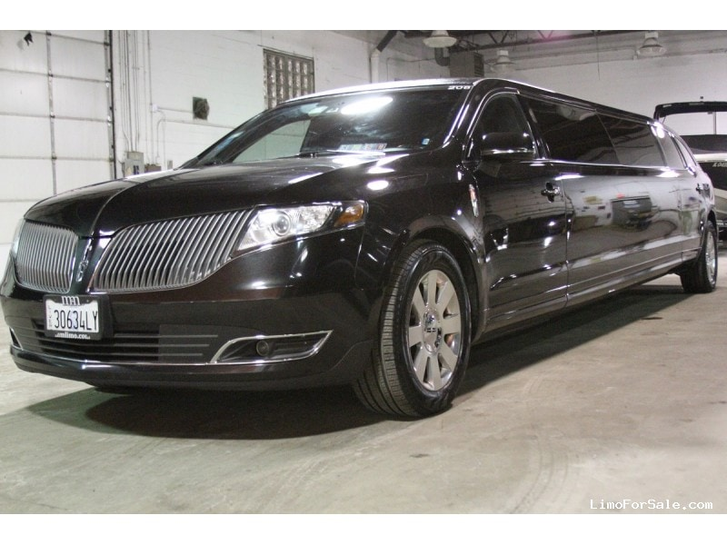 Used 2015 Lincoln MKT Sedan Stretch Limo Tiffany Coachworks - Des Plaines, Illinois - $47,995
