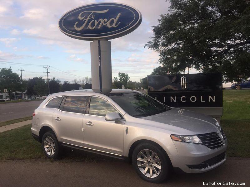 New 2018 Lincoln MKT Sedan Limo  - orchard park, New York    - $33,089