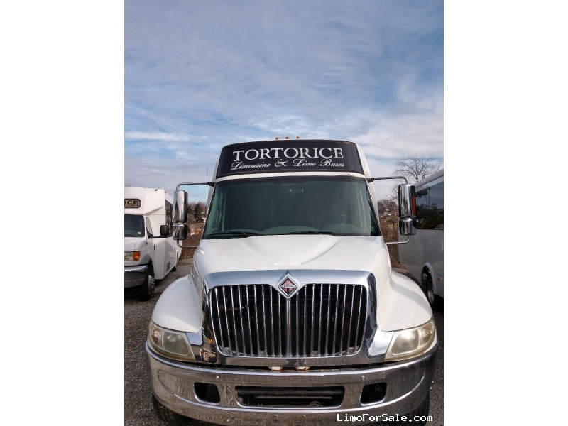 Used 2006 International 3400 Mini Bus Limo Krystal - McKeesport, Pennsylvania - $55,995