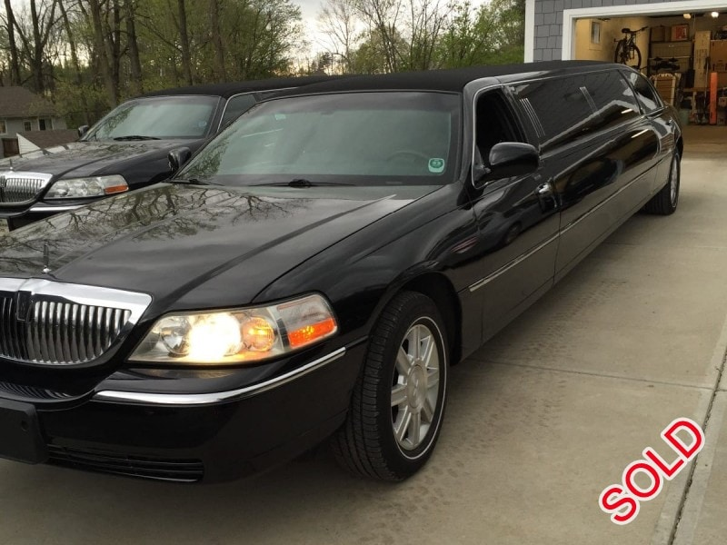 Used 2007 Lincoln Sedan Stretch Limo Executive Coach Builders - Indianapolis, Indiana    - $9,900
