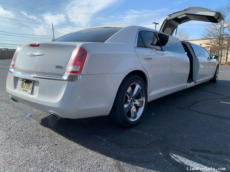 Used 2012 Chrysler Sedan Limo  - Totowa, New Jersey    - $22,500