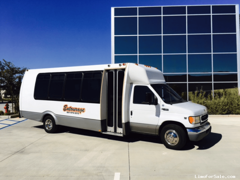 Used 2002 Ford E-450 Mini Bus Limo  - Bakersfield, California - $14,000
