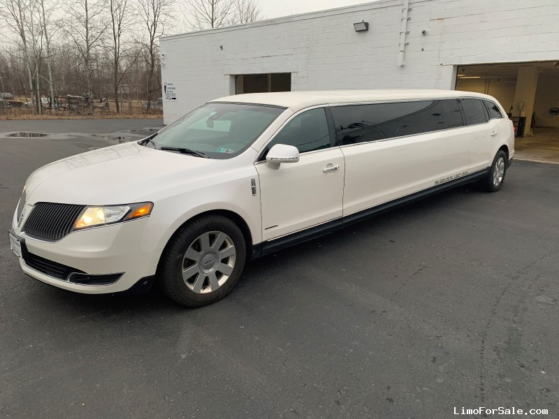 Used 2013 Lincoln MKT Sedan Stretch Limo Krystal - West Wyoming, Pennsylvania - $28,500