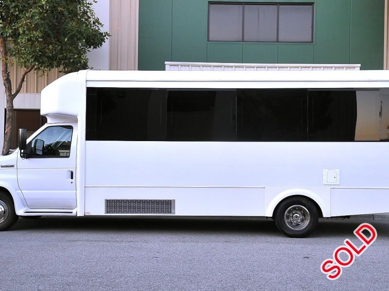 Used 2016 Ford E-450 Mini Bus Limo  - Fontana, California - $68,995