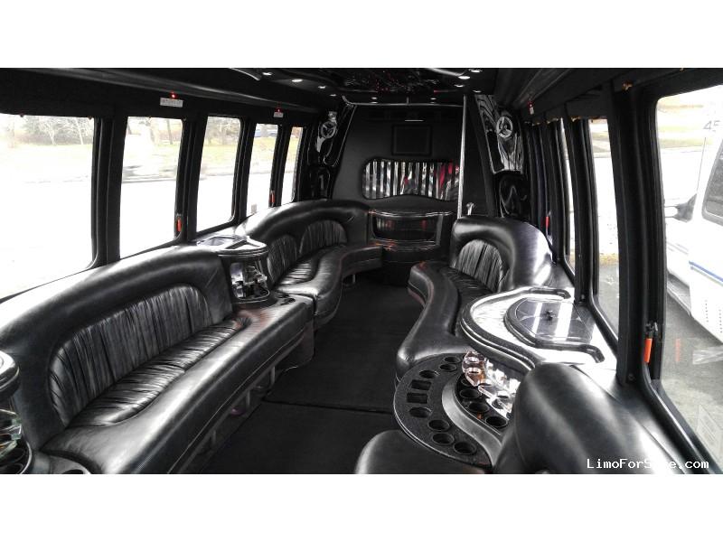 Used 2007 Ford F-550 Mini Bus Limo Krystal - Depew, New York    - $24,900