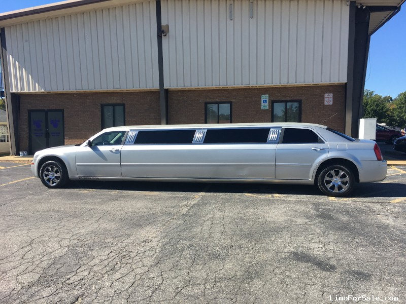 Used 2006 Chrysler 300 Sedan Stretch Limo Craftsmen - UPPER MARLBORO, Maryland - $12,000