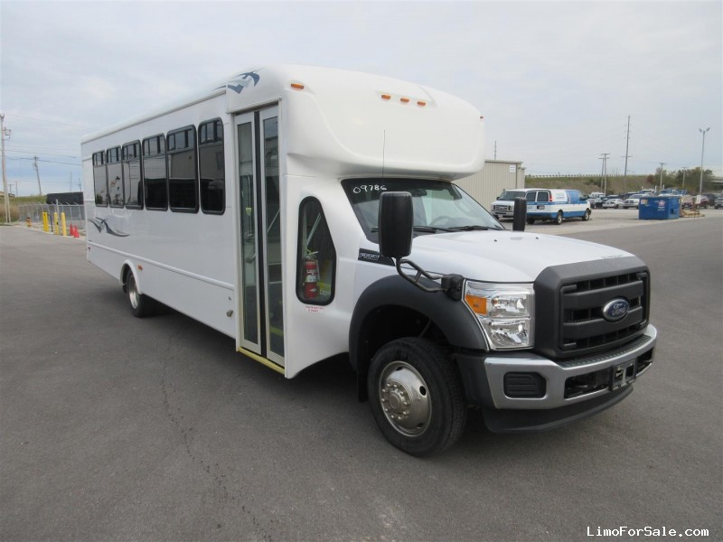 Used 2016 Ford F-550 Mini Bus Shuttle / Tour Starcraft Bus - Oregon, Ohio - $72,500