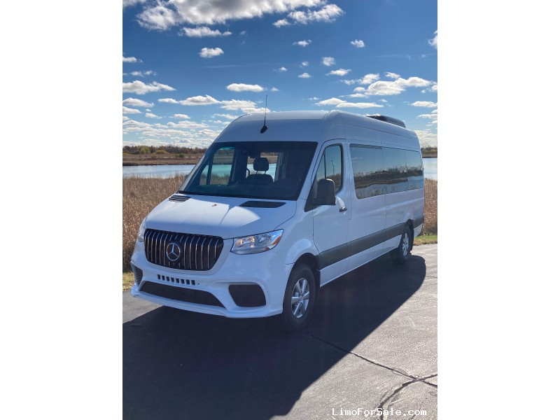 Used 2019 Mercedes-Benz Sprinter Van Shuttle / Tour  - Bartlett, Illinois - $59,000