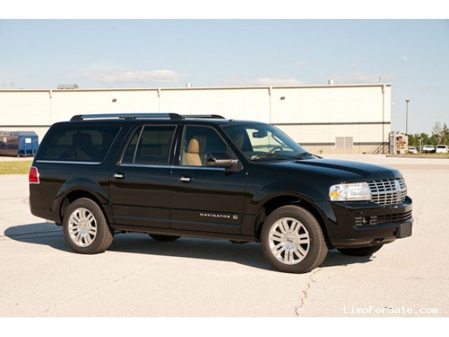 used 2012 lincoln navigator suv limo executive coach. Black Bedroom Furniture Sets. Home Design Ideas