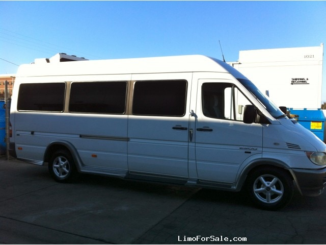 Used 2005 mercedes benz sprinter van limo tiffany for Mercedes benz sprinter used for sale