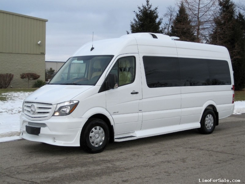 New 2015 mercedes benz sprinter van limo midwest for Mercedes benz luxury vans
