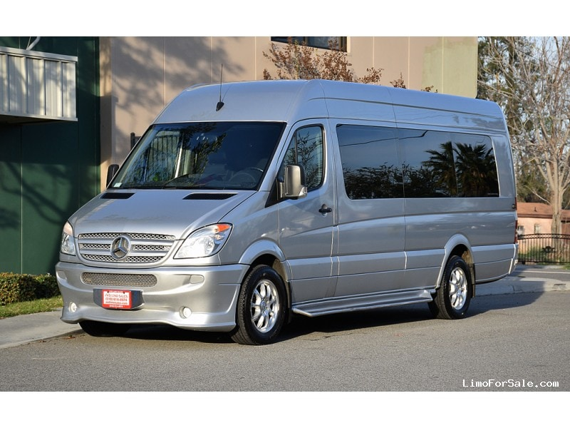 Used 2009 mercedes benz sprinter van limo midwest for Used mercedes benz minivan for sale