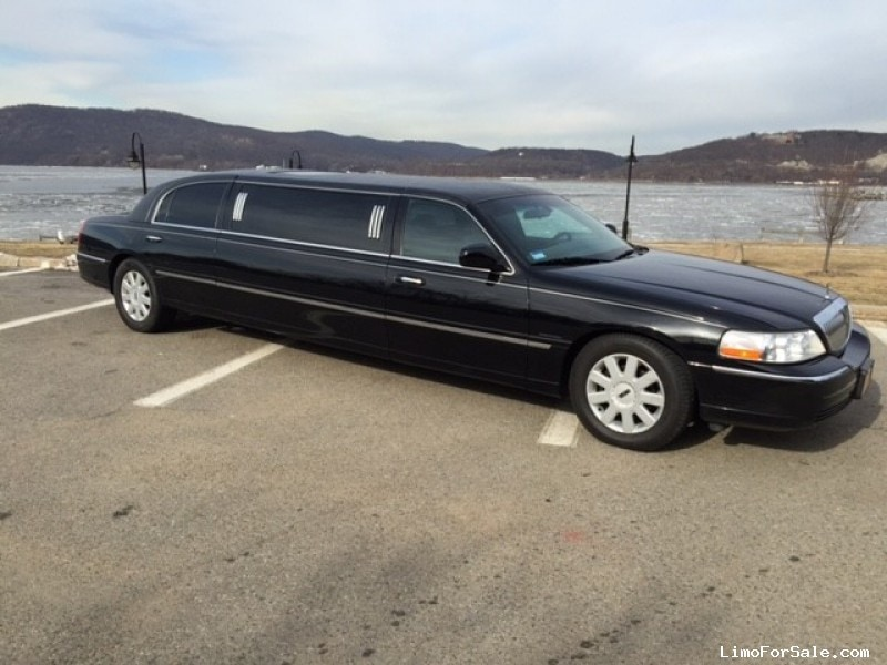 Used 2006 Lincoln Town Car Sedan Stretch Limo Krystal - Irvington, New York    - $12,999