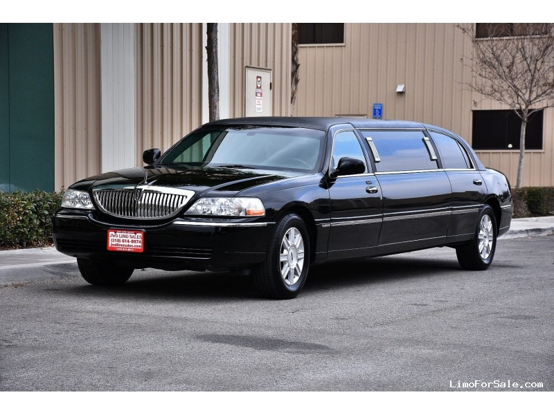 used 2008 lincoln town car sedan stretch limo krystal fontana california 15 900 limo for. Black Bedroom Furniture Sets. Home Design Ideas