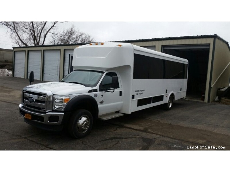 Used 2011 Ford F-550 Mini Bus Limo LGE Coachworks - Madison, Wisconsin - $75,500