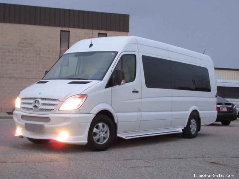 Used 2013 mercedes benz sprinter van limo new york new for Mercedes benz limo for sale