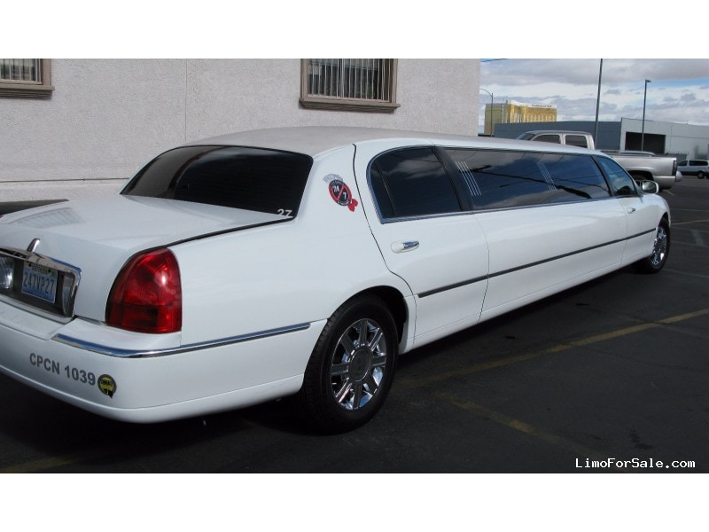 Used 2009 Lincoln Town Car Sedan Stretch Limo Tiffany Coachworks - Las Vegas, Nevada - $17,950