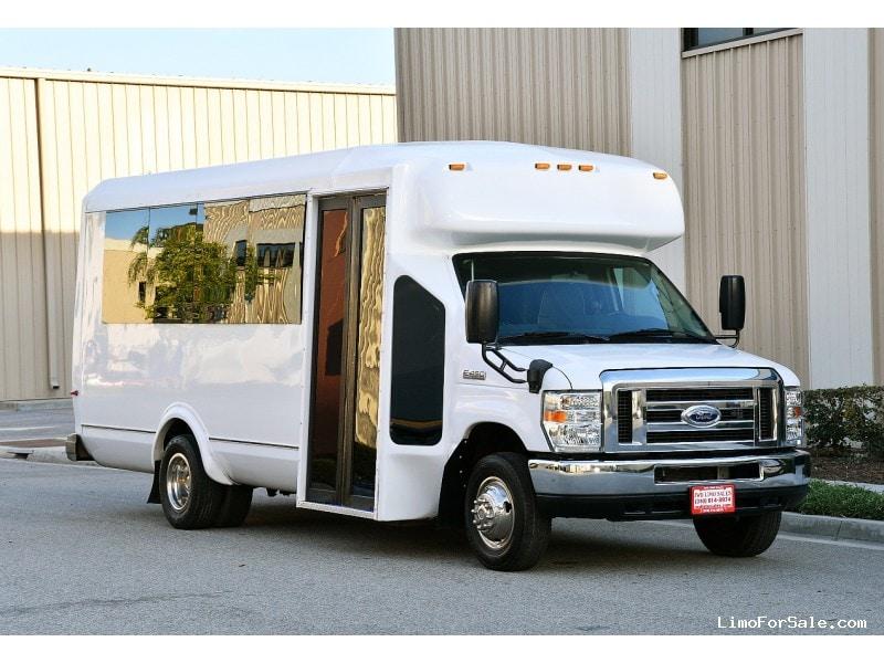 Used 2014 Ford E-450 Mini Bus Limo  - Fontana, California - $49,900
