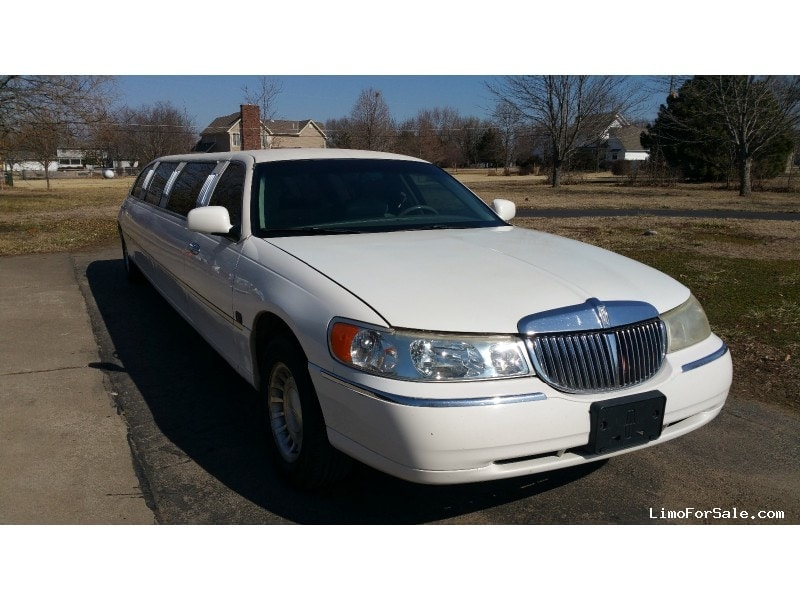 Used 2000 Lincoln Town Car Sedan Stretch Limo   Fort Scott, Kansas   $3,500