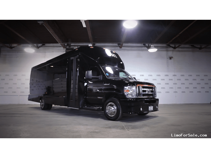 Used 2014 Ford E-450 Mini Bus Limo Tiffany Coachworks - Des Plaines, Illinois - $73,900
