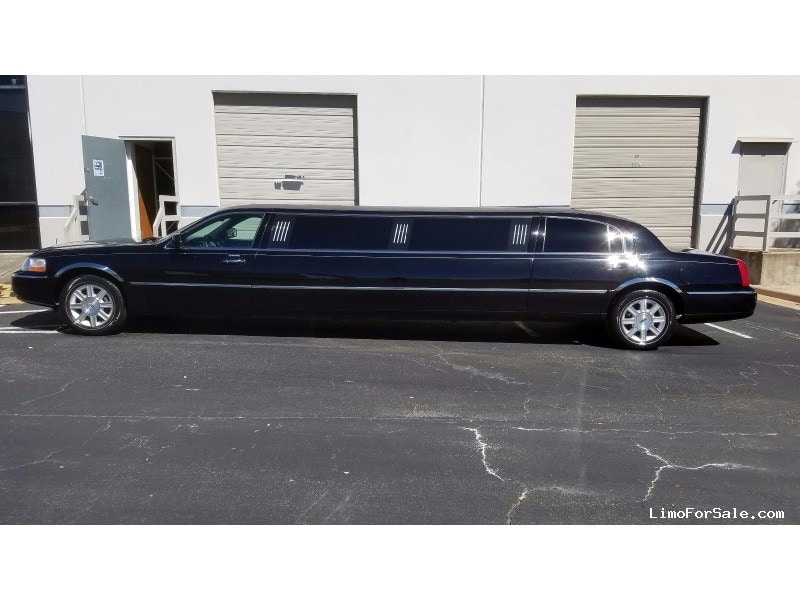used 2008 lincoln town car sedan stretch limo executive coach builders austin texas 28 000. Black Bedroom Furniture Sets. Home Design Ideas