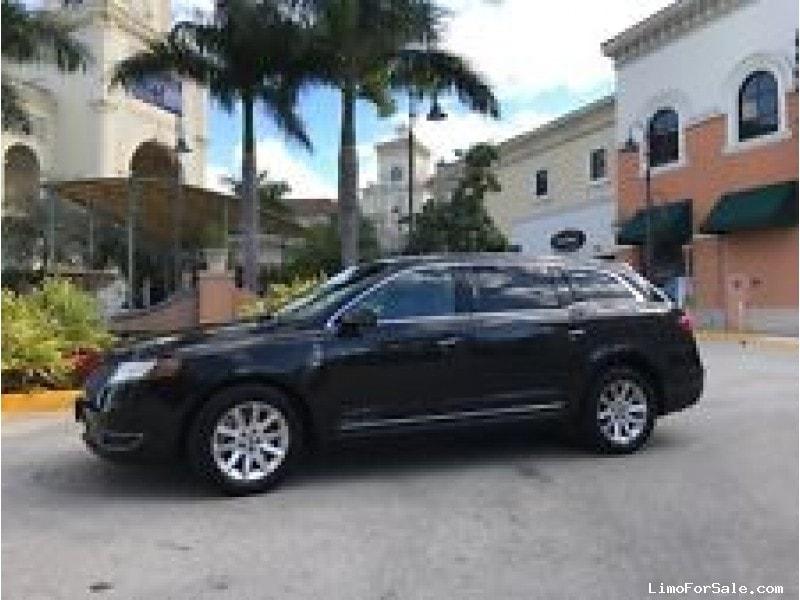 Used 2014 Lincoln MKT Sedan Limo  - Los Angeles, California - $12,900