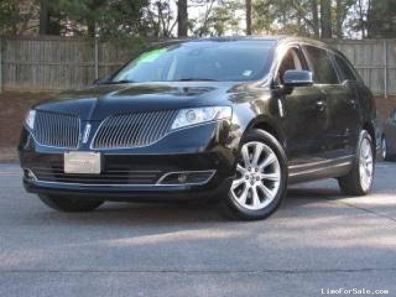 Used 2014 Lincoln MKT Sedan Limo  - Los Angeles, California - $17,500