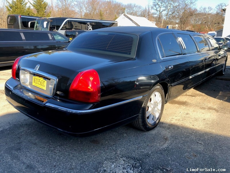 Used 2007 Lincoln Town Car Sedan Stretch Limo Royale Commack New