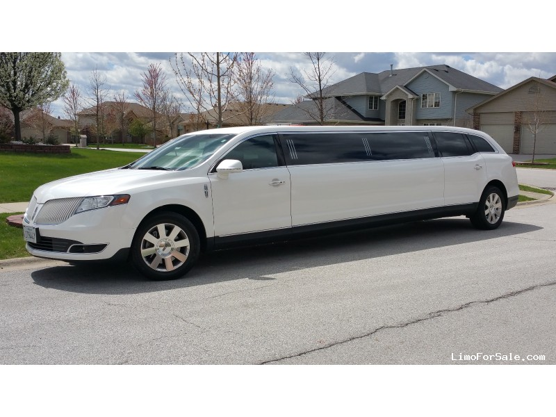 Used 2014 Lincoln MKT Sedan Stretch Limo Executive Coach Builders - Chicago, Illinois - $39,000