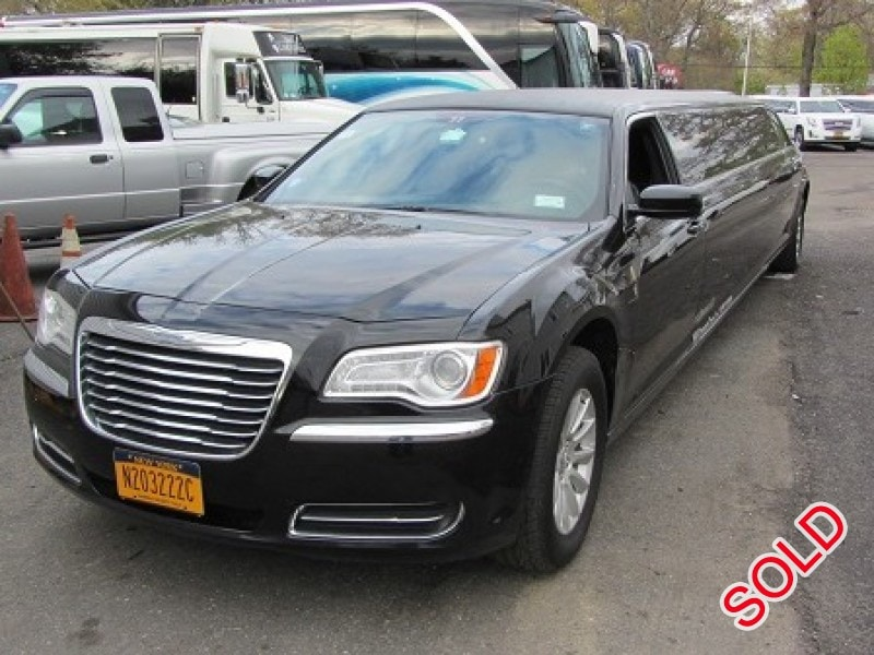 Used 2014 Chrysler 300 Sedan Stretch Limo California Coach - Commack, New York    - $27,500
