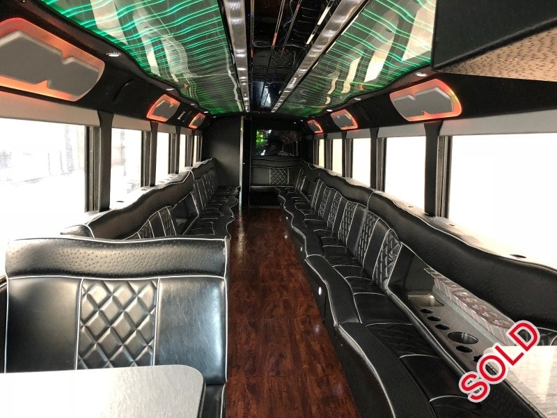 Used 1998 MCI D Series Motorcoach Limo  - Mississauga, Ontario - $65,000