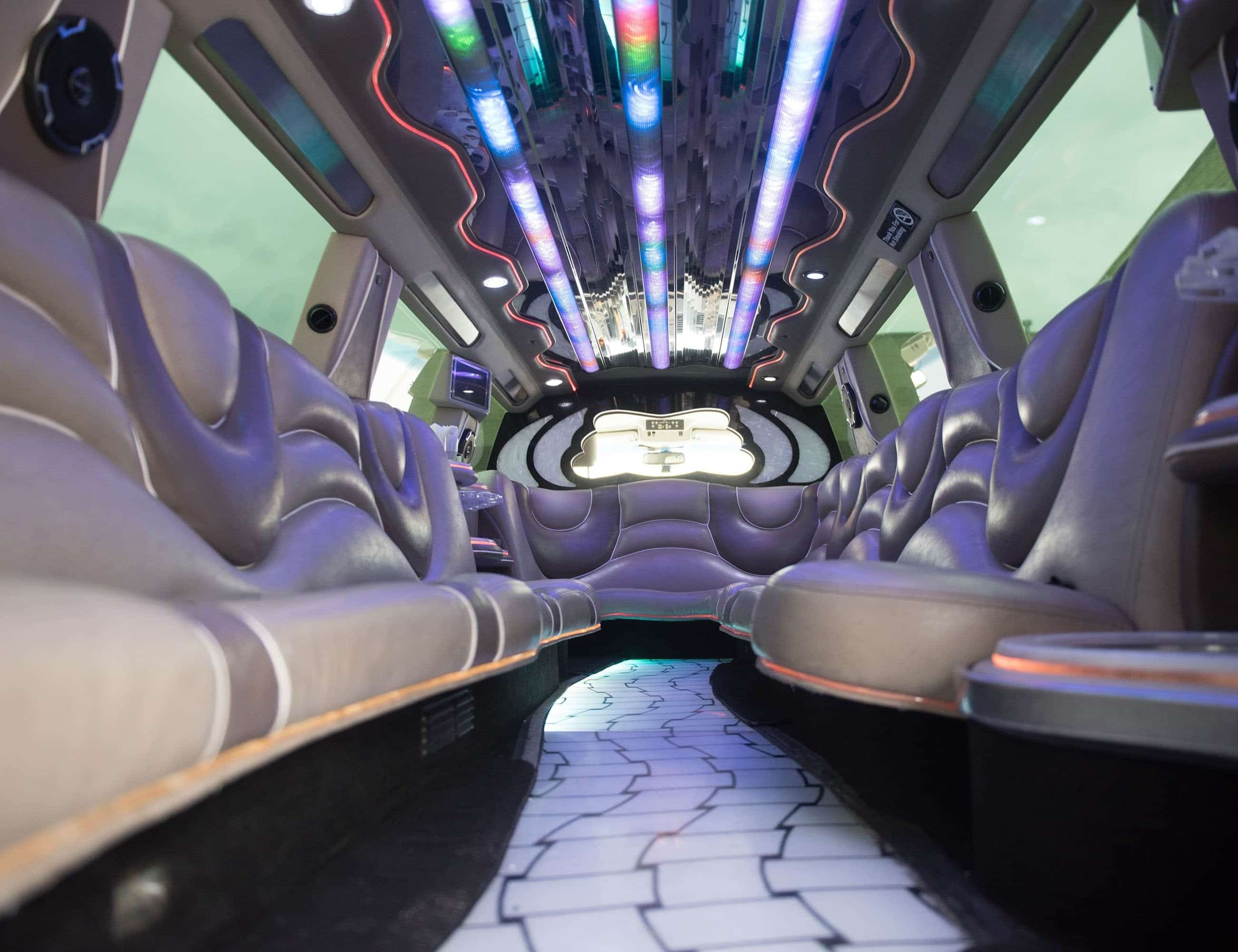Used 2006 Infiniti SUV Stretch Limo  - Farmingdale, New York    - $12,500
