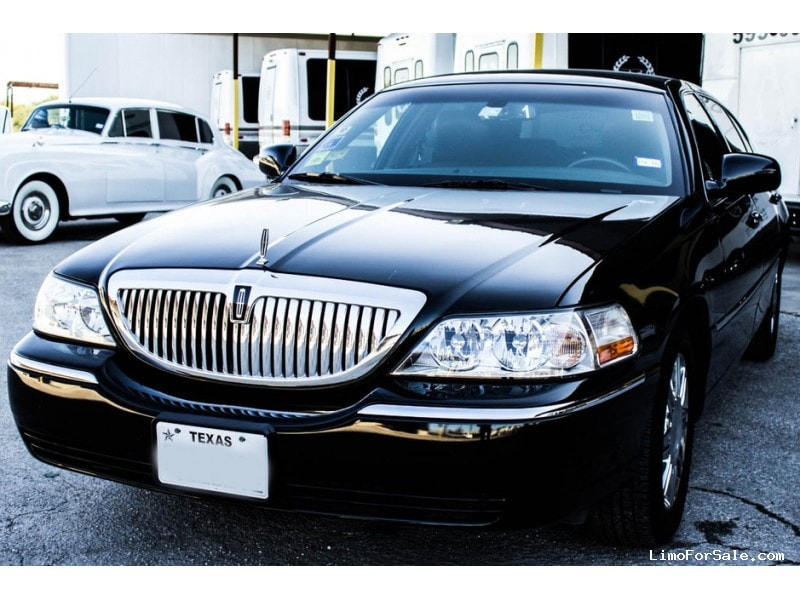 Used 2011 Lincoln Sedan Limo  - San Antonio, Texas - $9,500