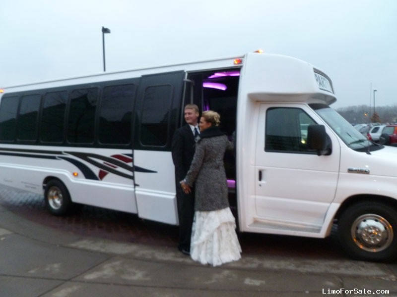 Used 2000 Ford Mini Bus Limo Krystal - White Bear Lake, Minnesota - $27,500